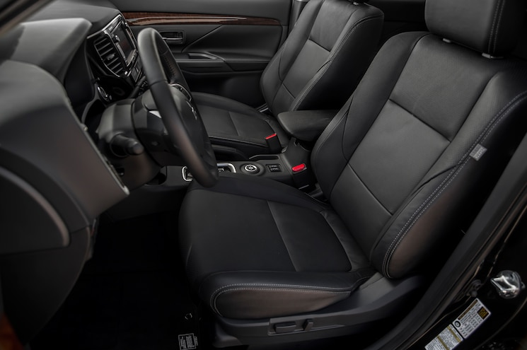 2014 Mitsubishi Outlander SE AWD Interior