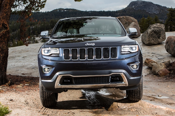 2014 Jeep Grand Cherokee Limited Grille View 4