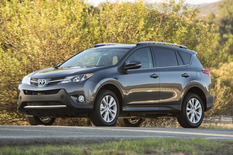 2014 Toyota RAV4 Limited Front Three Quarters