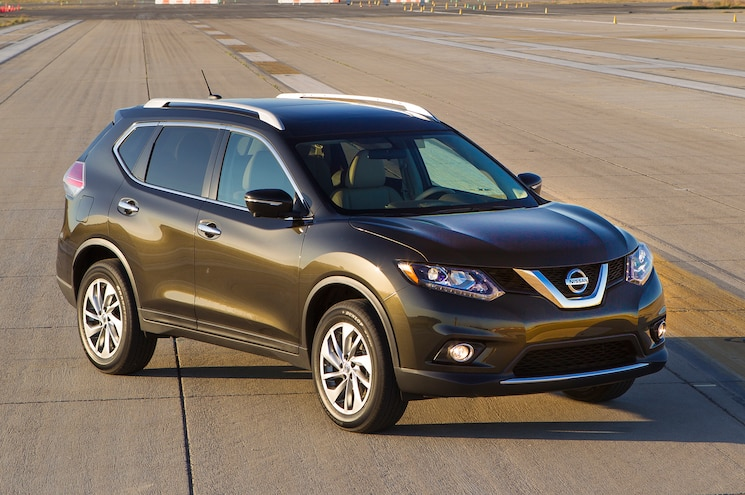 2014 Nissan Rogue Three Quarters Front View