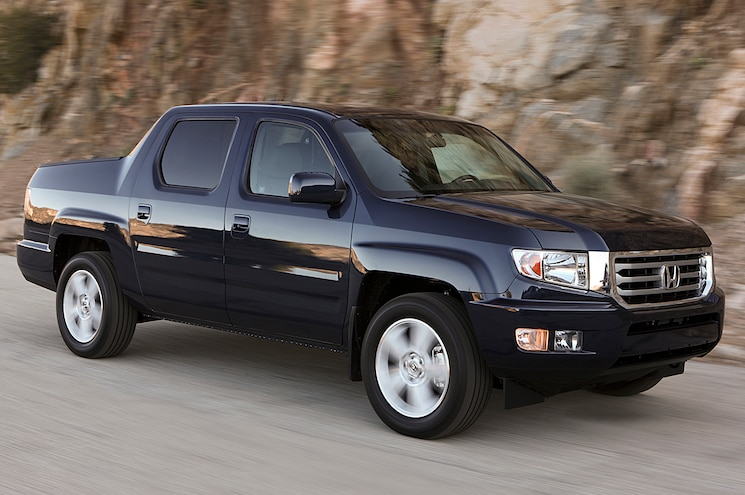 2014 Honda Ridgeline RTL Front View In Motion