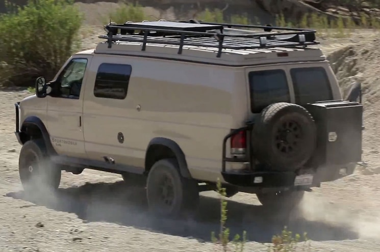 Video: 2010 Sportsmobile 4x4 Van, 1986 Pace Arrow RV Compared