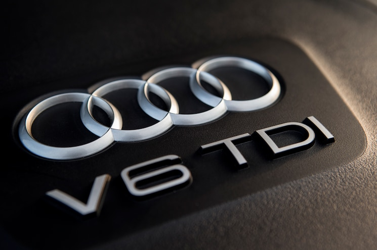 Is Volkswagen Closing in on Fix for V-6 Diesel Emissions?