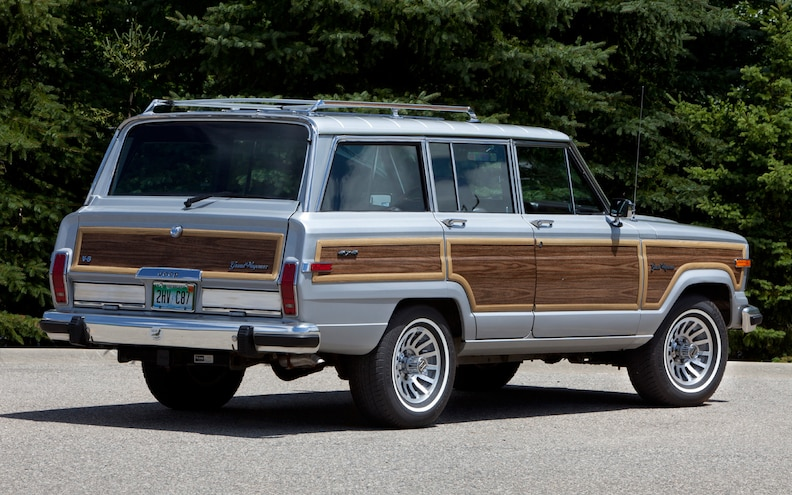 1989 Jeep Grand Wagoneer Rear Three Quarter