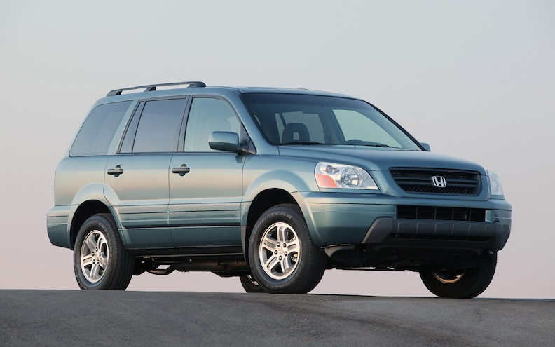 2005 Honda Pilot EX Front Three Quarter