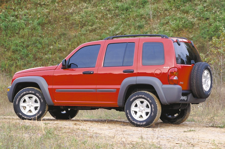 NHTSA Urges Jeep to Carry Out Recall on Liberty and Grand Cherokee
