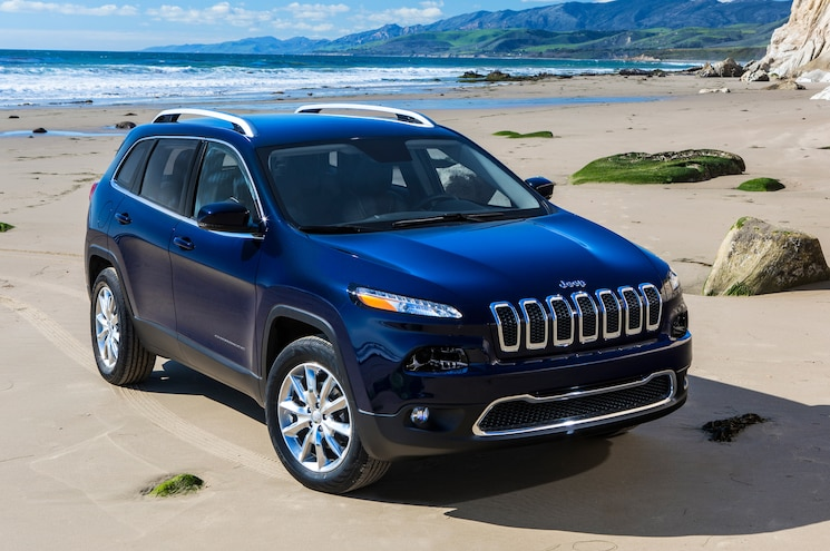 2014 Jeep Cherokee Front Right View 02