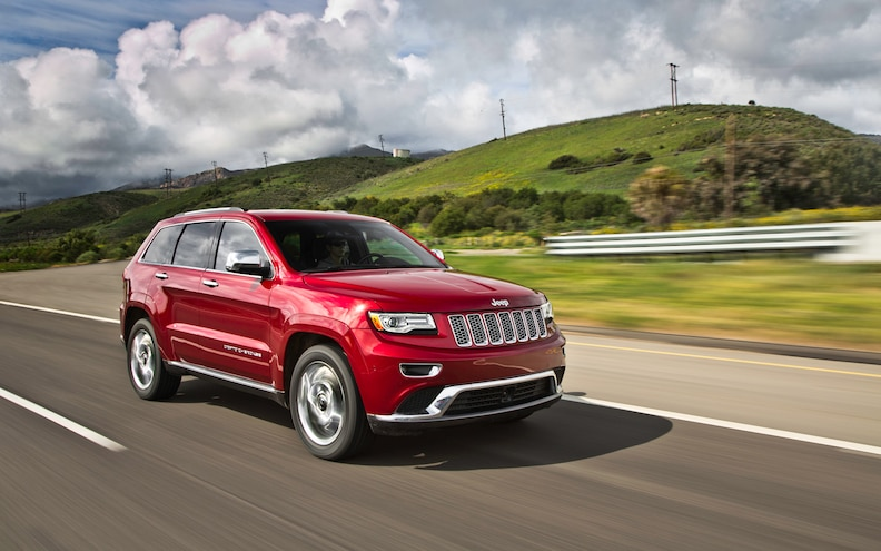 2014 Jeep Grand Cherokee EcoDiesel Froont Three Quarter 2