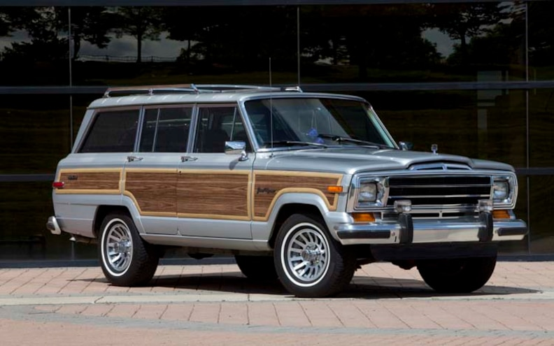 1989 Jeep Grand Wagoneer Front Three Quarter View