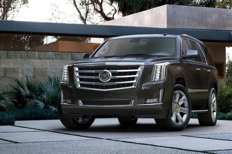 2015 Cadillac Escalade Front Three Quarters View 01