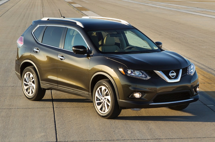 2014 Nissan Rogue Front Three Quarter Runway