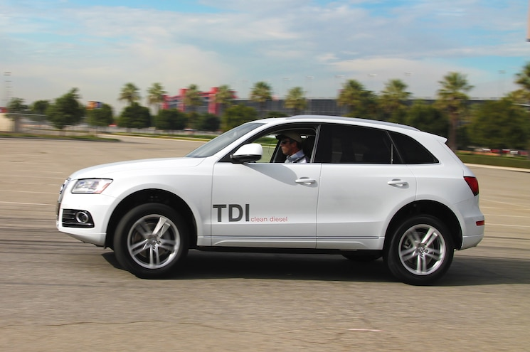 2014 Audi Q5 TDI Side View In Motion
