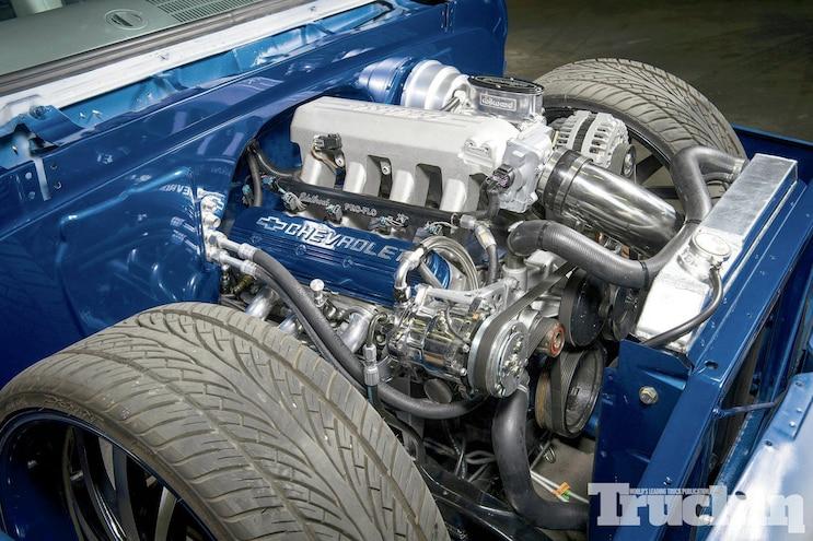 1401 1964 Chevrolet C 10 Engine View