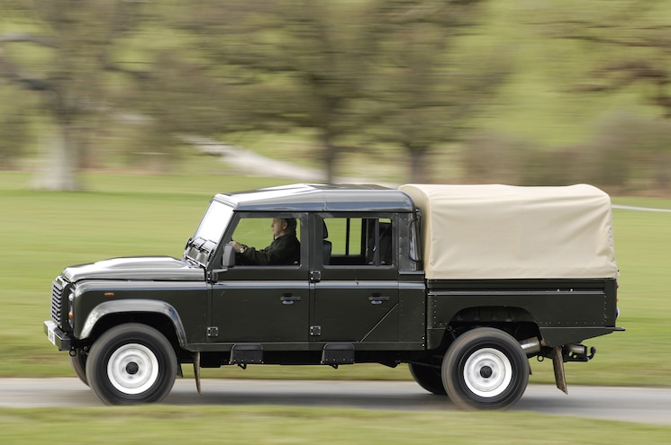 Land Rover to Join Luxury Pickup Fray with 2020 Defender Variant