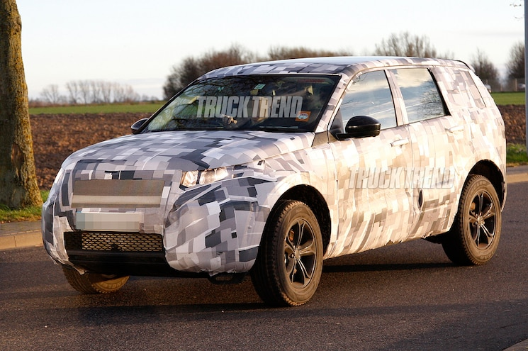 Caught! 2015 Land Rover Discovery