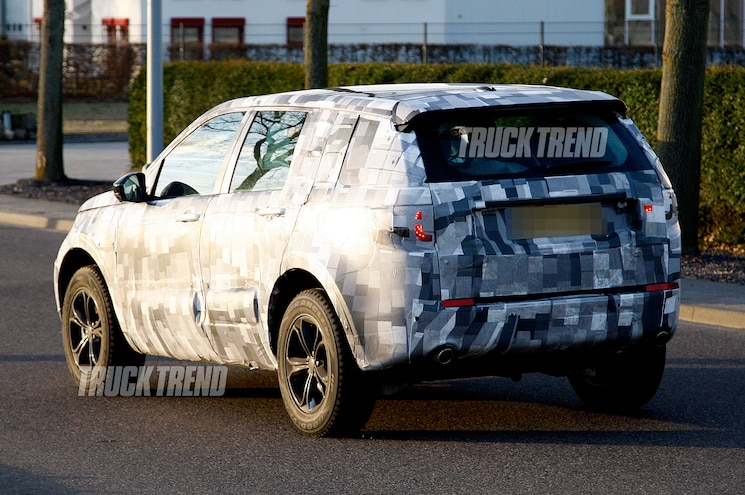 Land Rover Discovery Spied Rear View