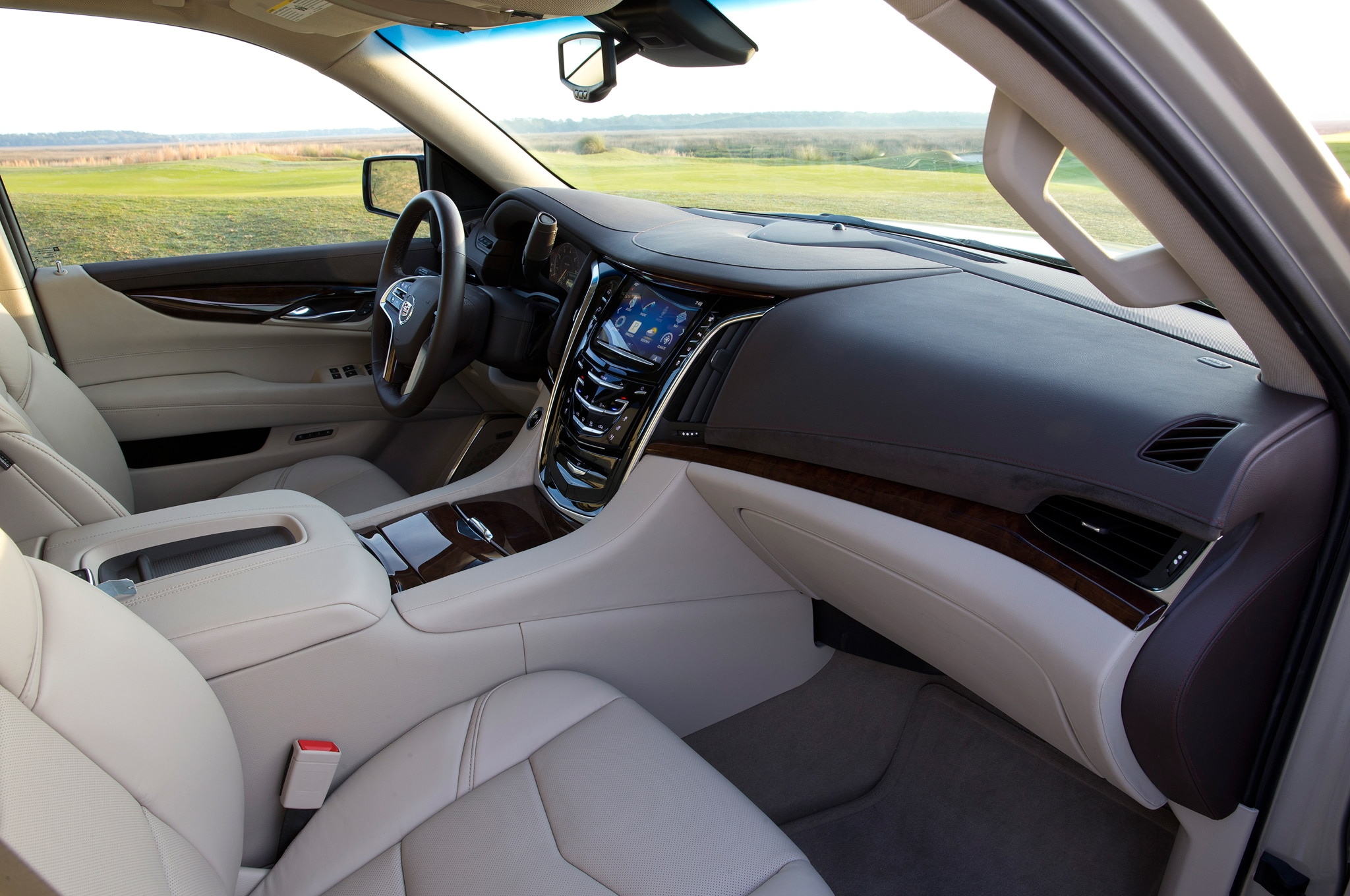 2015 Cadillac Escalade First Drive Photo & Image Gallery