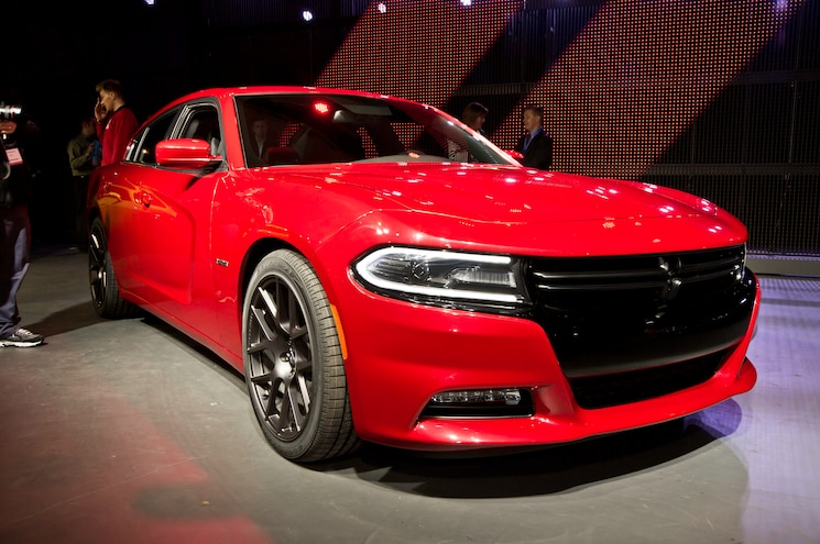 2015 Dodge Charger RT Front Three Quarters