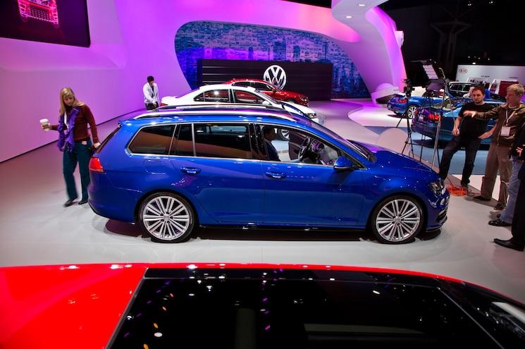 Volkswagen Golf Sportwagen TDI 4Motion Concept Side