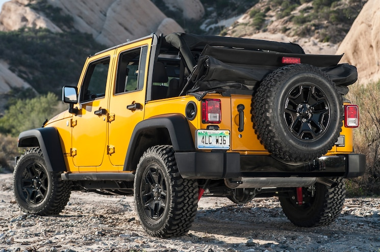 2014 Jeep Wrangler Unlimited Willys Wheeler Rear Three Quarters