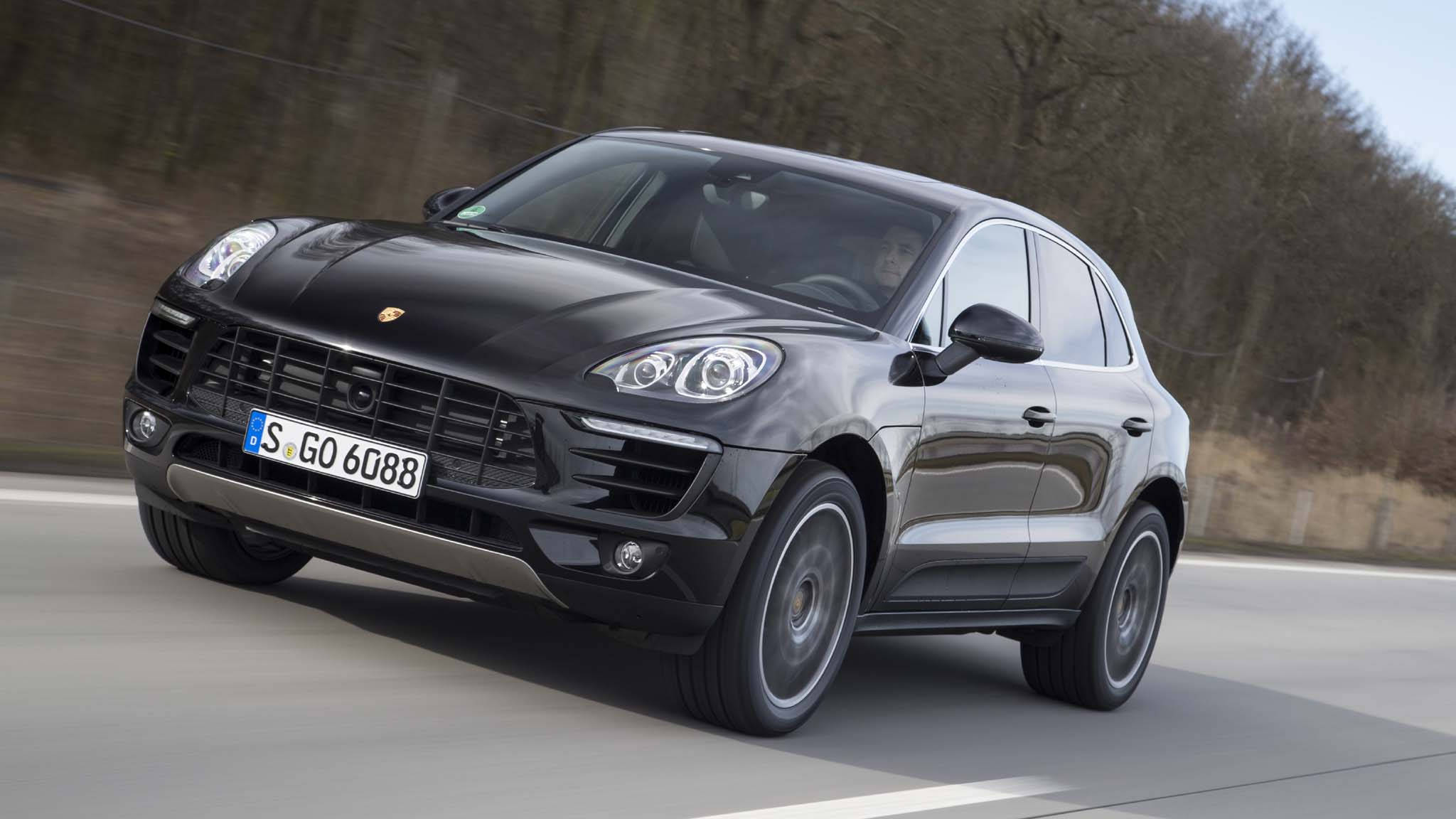 2015 Porsche Macan S Front Three Quarters In Motion 02