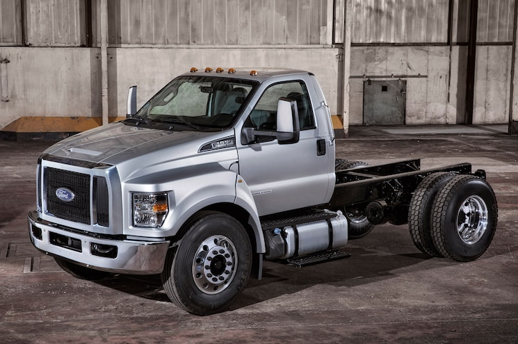 2016 Ford F-650/F-750 Super Duty First Look