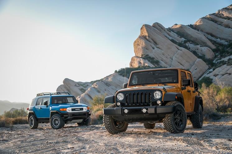 2014 Jeep Wrangler Unlimited vs. 2014 Toyota FJ Cruiser