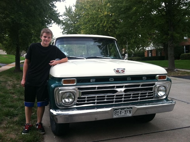 Teen Locked in Battle with HOA Over Parking Ford F-100 in Driveway