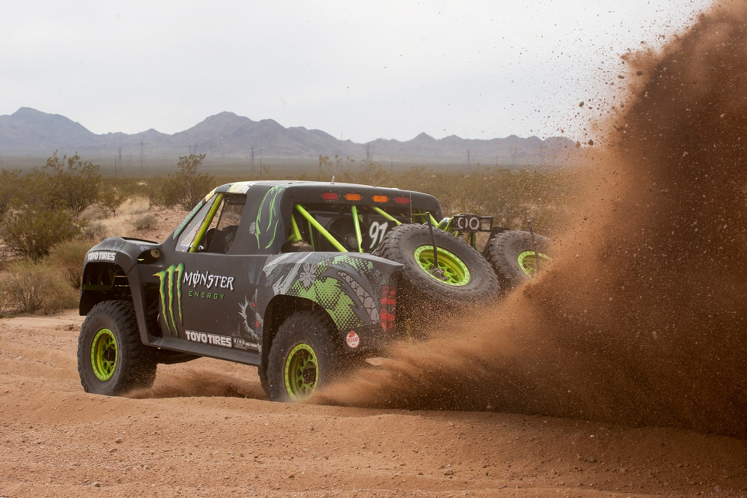 BJ Baldwin Partners with Red Kap for General Tire Mint 400