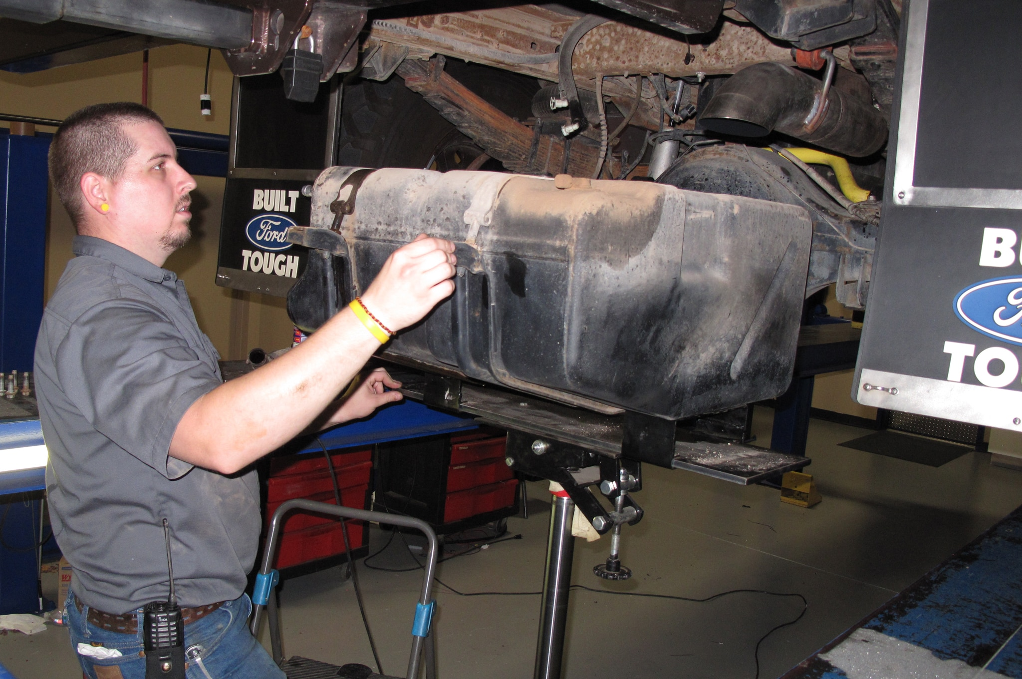 1999-2010 Ford Super Duty Fuel Tank Replacement - Truck Trend