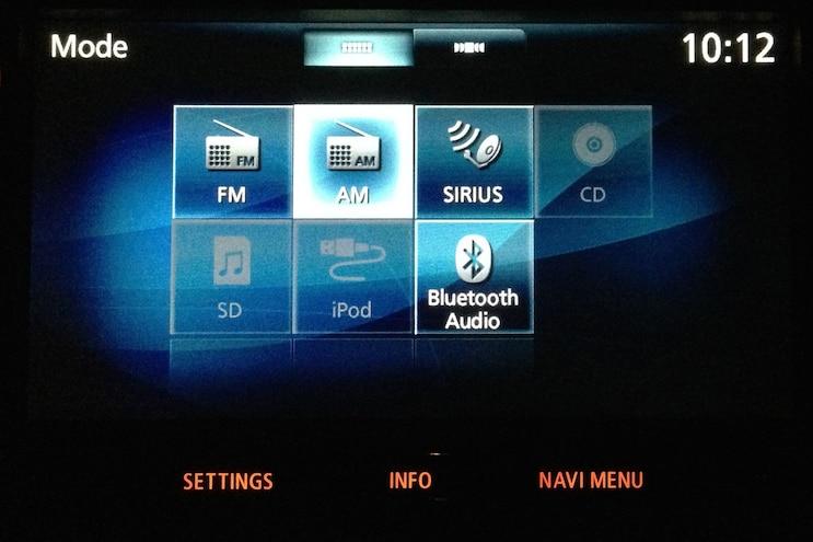 2014 Mitsubishi Outlander SE S AWC Ipod Display