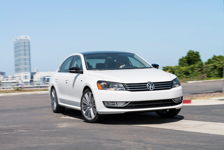2014 Volkswagen Passat Sport Front End Turn