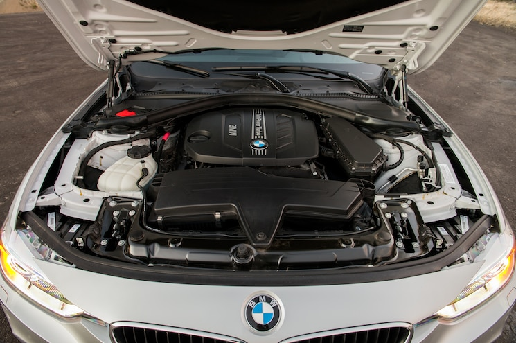 2014 BMW 328d XDrive Wagon Engine 02