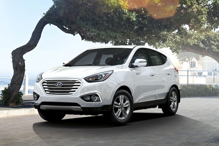 2015 Hyundai Tucson Fuel Cell Front Angle