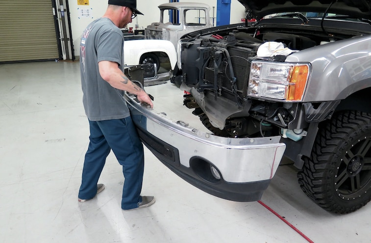 2010 GMC Sierra Bumper Face Lift 03
