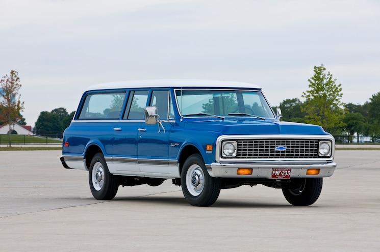 1972 Chevrolet Suburban Front Three Quarters