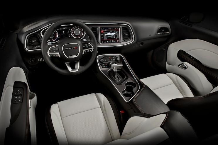 2015 Dodge Challenger SXT Interior