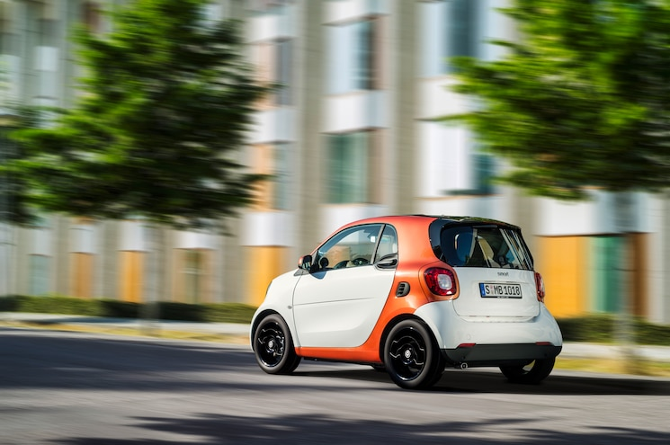 2016 Smart ForTwo Rear Three Quarter In Motion 02