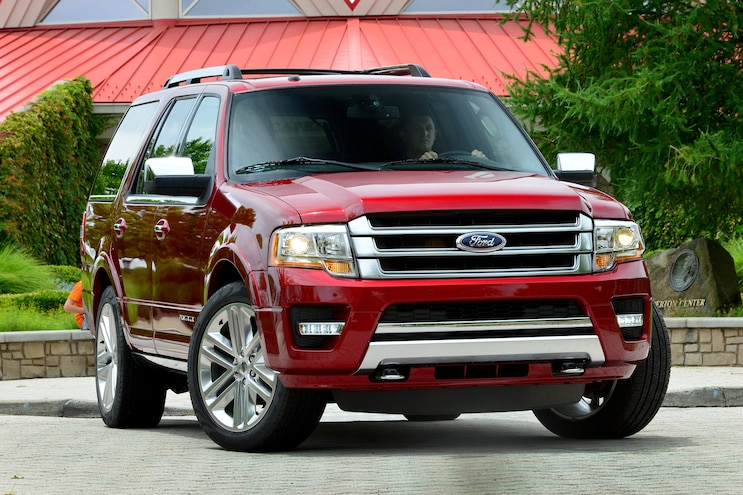 2015 Ford Expedition Front Three Quarters 07