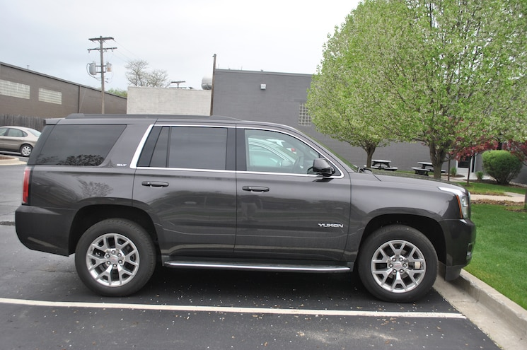 2015 GMC Yukon Side Profile
