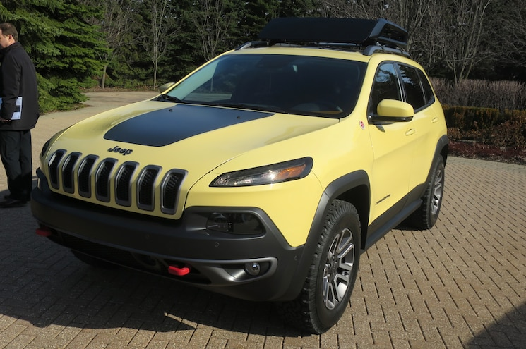 Jeep Cherokee Adventurer Concept Front Three Quarters
