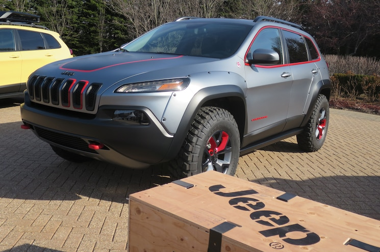 Jeep Cherokee Dakar Concept Front Three Quarter