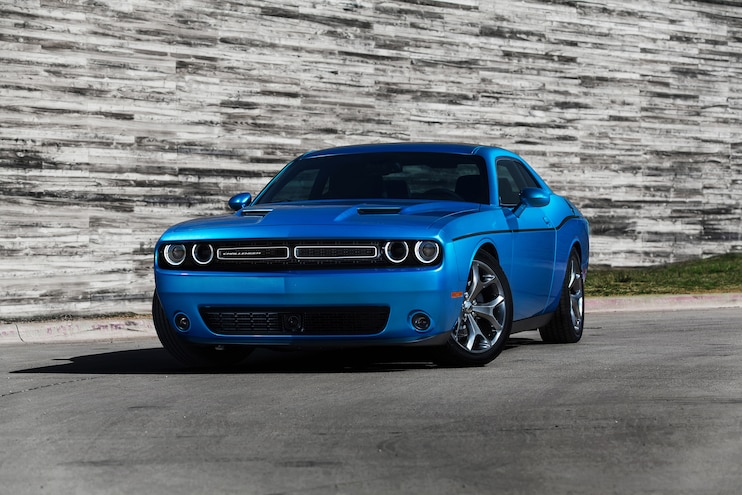 2015 Dodge Challenger SXT Front Three Quarters
