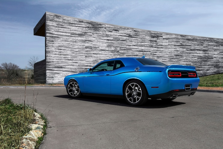 2015 Dodge Challenger SXT Rear Three Quarters