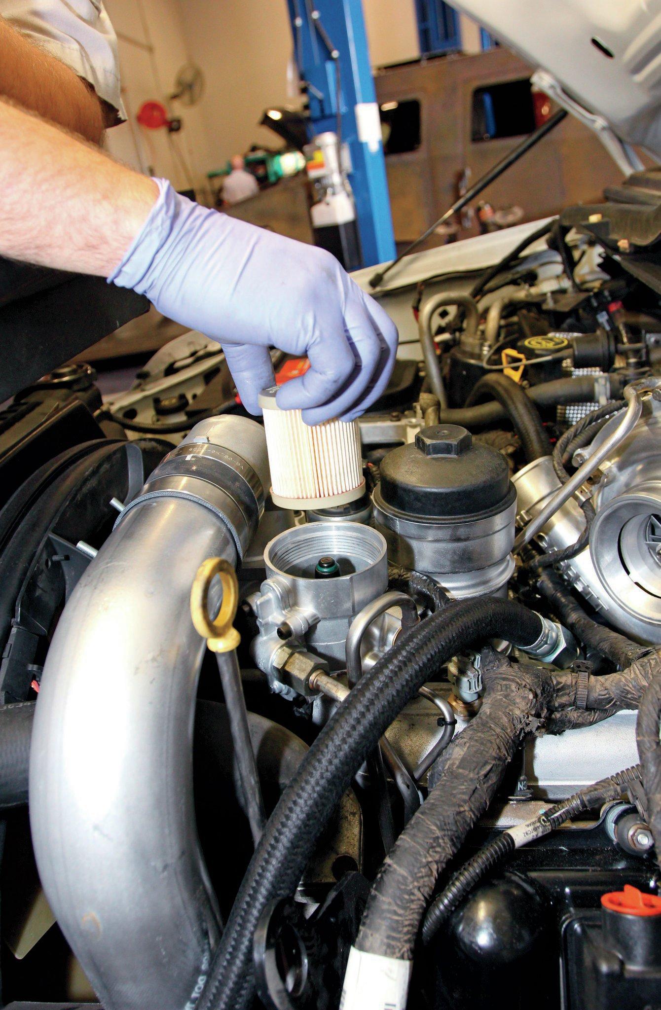 6 7 powerstroke fuel filter location 2019 chevy duramax fuel fuel filter drain plug 6 0 fuel filter location #13