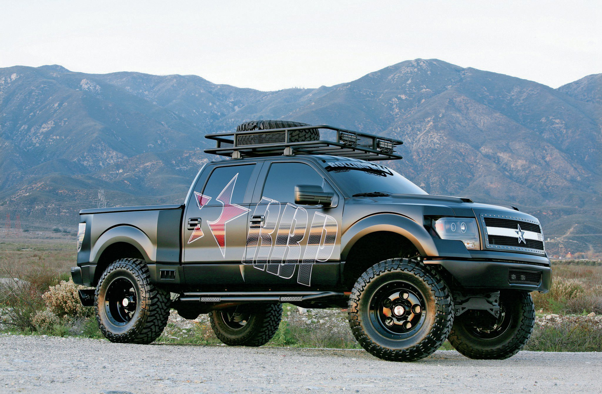 2011 ford f 150 svt raptor rolling big. Black Bedroom Furniture Sets. Home Design Ideas