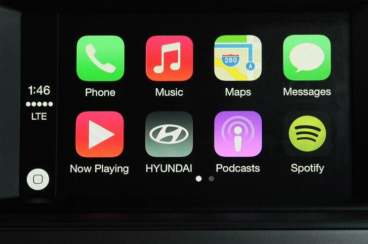 2015 Hyundai Sonata Interior Apple CarPlay Closer View