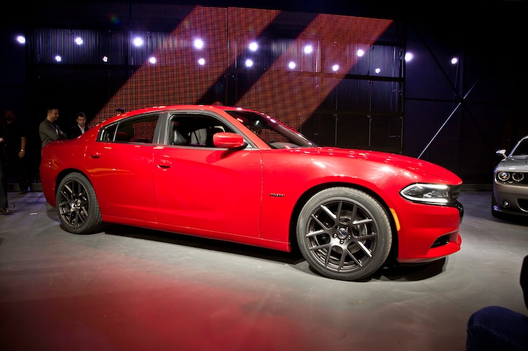2015 Dodge Charger RT Front Three Quarter