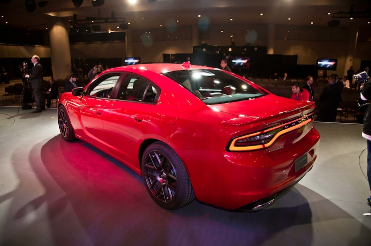 2015 Dodge Charger RT Rear Three Quarters