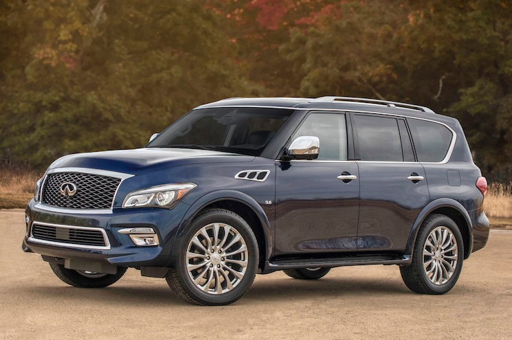 2015 Infiniti QX80 Front Three Quarter